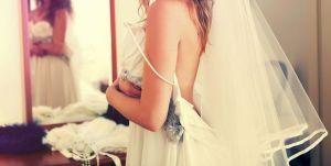 Tiefe Einblicke bei der Braut