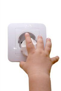 Die Wohnung für das Baby sicher machen