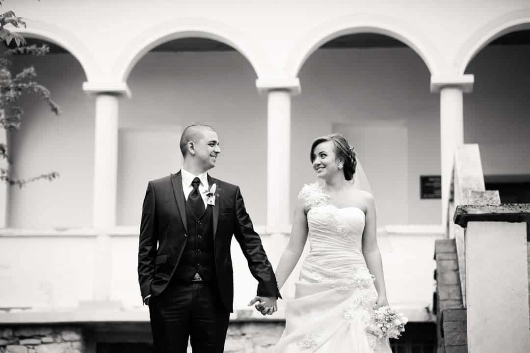 Brautpaar in Schwarz/weiss