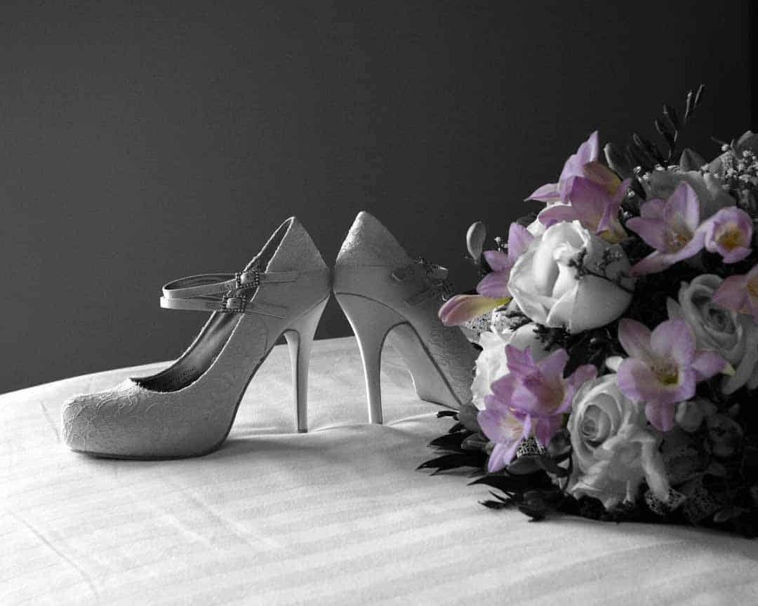 Brautschuhe & Brautstrauß